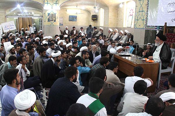 تجمع اساتید و طلاب یزد در حمایت از مردم