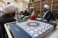 تصاویر نشست مدیر حوزه علمیه یزد با معاونین آموزش مدارس علمیه استان