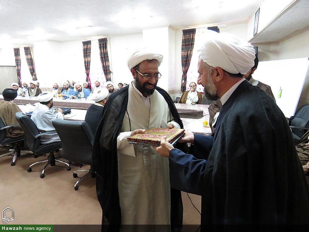 تصاویر کارگروه های علمی مدارس علمیه استان یزد