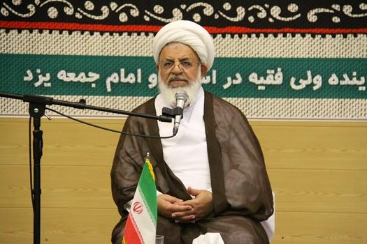 انتقاد امام جمعه یزد از عدم استاد پروری در مدارس علمیه