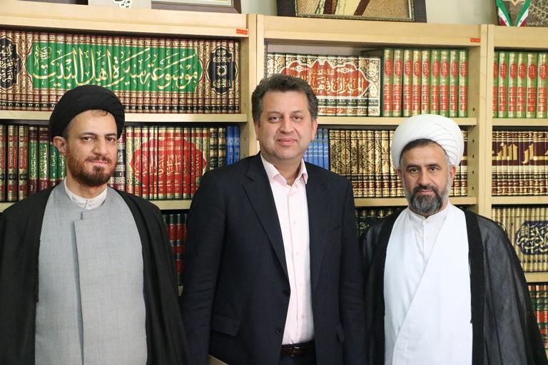 تصاویر دیدار مدیر حوزه علمیه یزد با مدیرکل هلال احمر استان