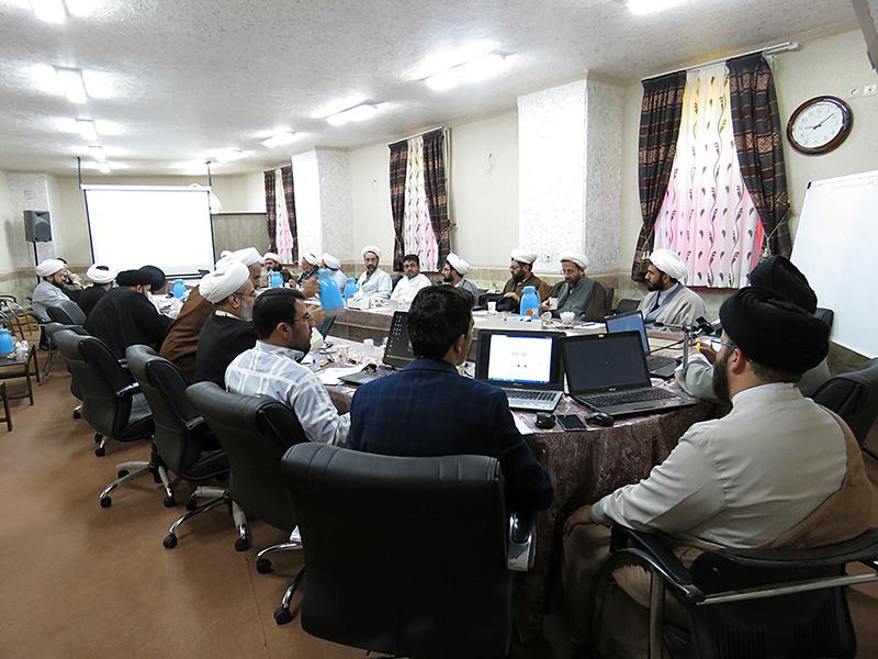 هم اندیشی مدیران و کادر اجرایی مدارس علمیه یزد برگزار شد+تصویر