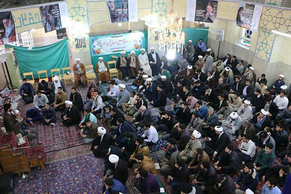 """تجمع حوزویان یزد در حمایت از بیانیه """"گام دوم انقلاب"""" برگزار شد"""