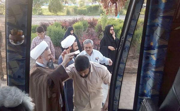 اعزام طلاب و روحانیون جهادی تبلیغی به همراه اقلام ضروری به مناطق سیلزده خوزستان