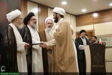 تصاویر/ جشن عمامهگذاری و تقدیر از ممتازین حوزه علمیه استان یزد