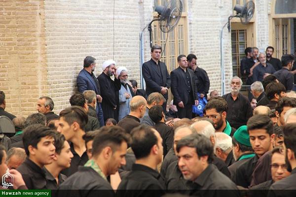 تصاویر/ صدمین سال تجمع هیئات مذهبی روز ۱۳ محرم در مسجد ملااسماعیل یزد با میزبانی روحانیون