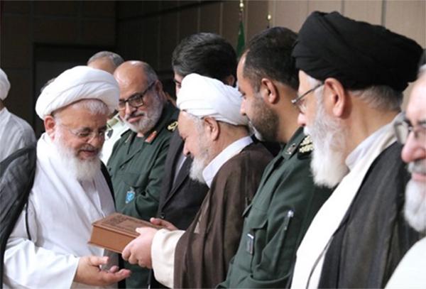 تجلیل از طلاب و روحانیون رزمنده دفاع مقدس در استان يزد