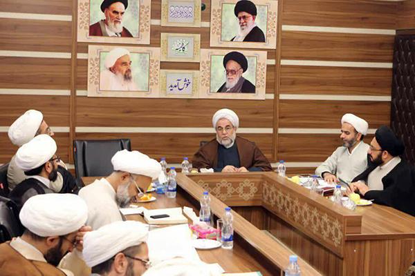 برگزاري جلسه اساتيد مدرسه علميه مدينهالعلم كاظميه يزد با حضور نمایندگان دفتر امور اساتید حوزه های علمیه