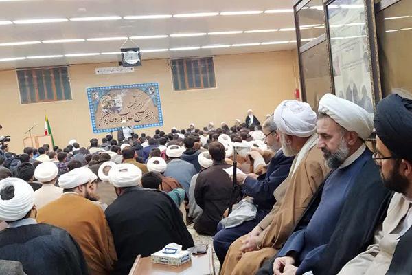 گزارش تصویری / تجدید بیعت با رهبر معظم انقلاب و گرامیداشت روز بسیج طلاب و روحانیون
