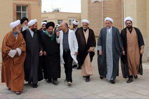 بازديد جمعي از مسئولين حوزوي و روحانيون يزد از سراي سالمندان + تصاوير