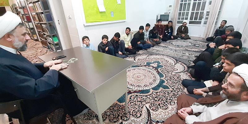 بازدید و سرکشی مدیر حوزه علمیه استان یزد از طلاب مدرسه علمیه شهرستان بهاباد