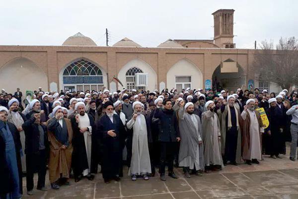 تجمع ضدآمریکایی حوزویان یزد در پی شهادت سردار سلیمانی