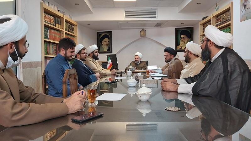 معاون تبلیغ حوزه علمیه استان یزد، خواستار ارائه کار فرهنگی تمیز از سوی فعالان این عرصه شد.