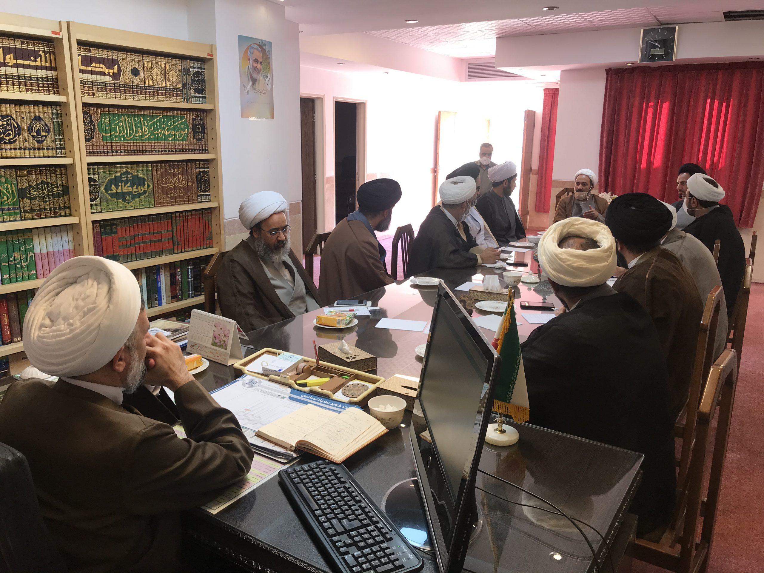 نخستین جلسه مدیران مدارس علمیه استان یزد در سال ۹۹ در مدیریت استان برگزار شد.
