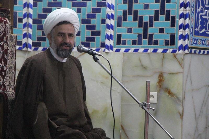 حجت الاسلام والمسلمین شمس از مؤمنین و خیرین دارالعباده درخواست کرد تا به حمایت از قشرهای آسیب پذیر جامعه بشتابند.