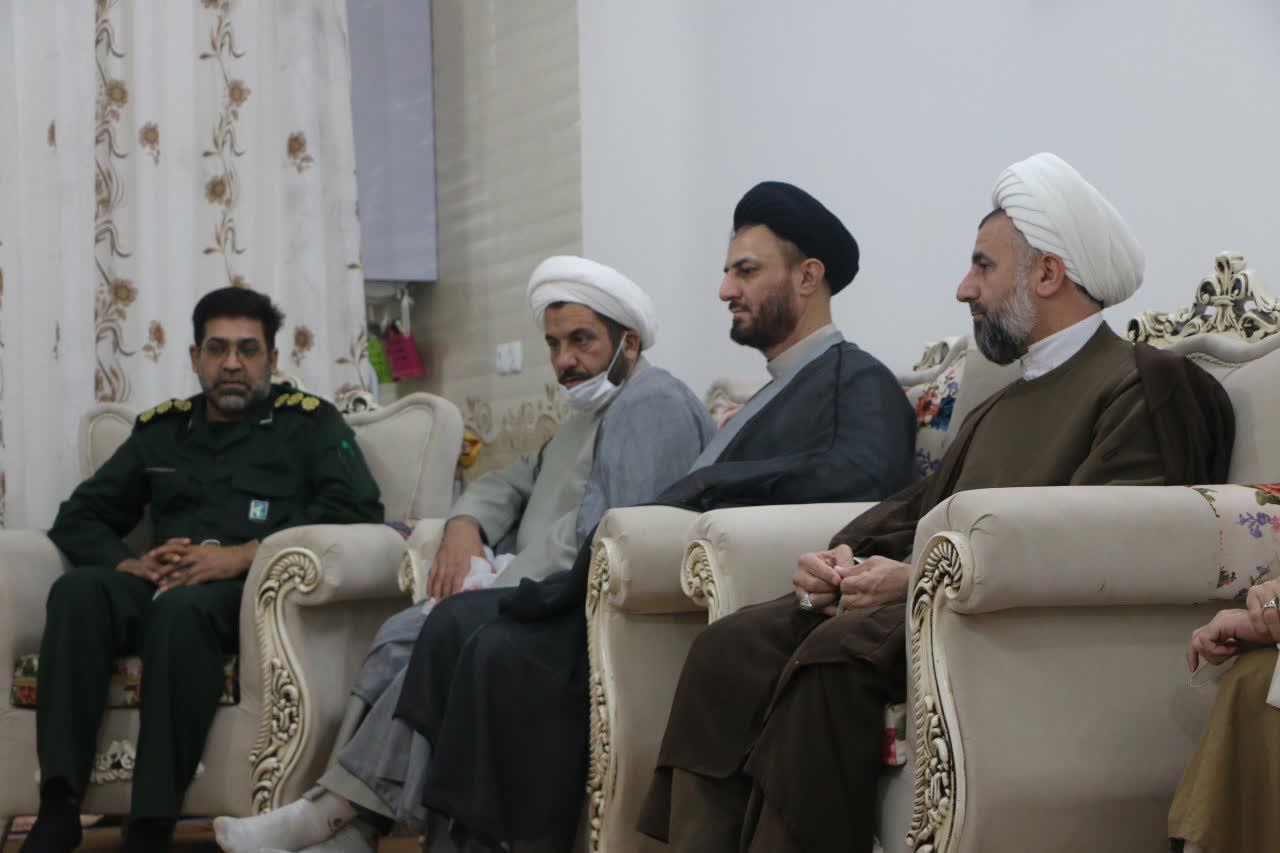 مدیر حوزه علمیه یزد با قدردانی از همسران طلاب جهادی، گفت: اگر همراهی و صبوری همسران طلاب نبود، آنها در عرصه های جهادی موفق نبودند.