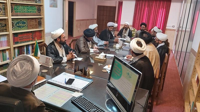 جلسه مدیران مدارس علمیه استان یزد با هدف بررسی مباحث آموزشی مدارس برگزار شد.