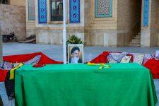 در مراسمی با حضور مسئولین استانی از سنگ مرقد مطهر شهید گمنام مدرسه علمیه مدینة العلم کاظمیه یزد رونمایی شد.
