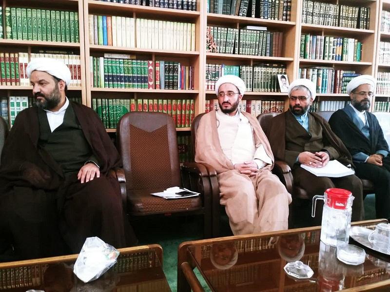 طرح فراگیری مهارت های طلاب سطح یک با حضور حجت الاسلام والمسلمین شمس، در مدرسه علمیه حجت بن الحسن(ع) مورد بررسی قرار گرفت.