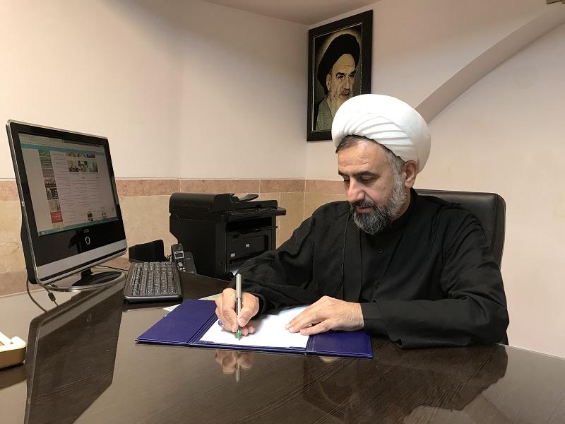 تسلیت مدیر حوزه علمیه به مدیر مدرسه علمیه شفیعیه
