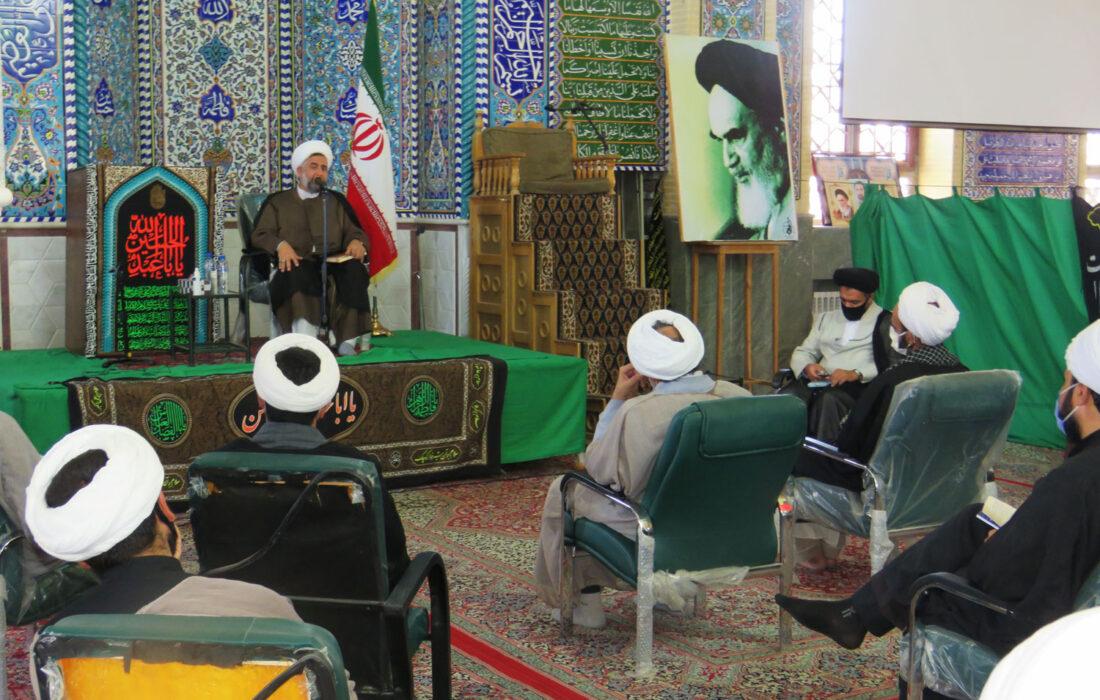 دیدار مدیر حوزه علمیه یزد و همراهان با روحانیون و مبلغین شهرستان بهاباد