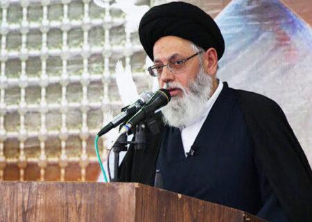 """ایجاد دوگانه """"جنگ و صلح"""" در جامعه سیاست صحیح اسلامی نیست"""