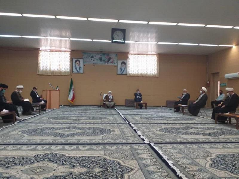 در جلسه ای با حضور مشاور وزیر آموزش و پرورش و مقامات استانی طرح مدارس امین در حوزه علمیه استان یزد بررسی شد.