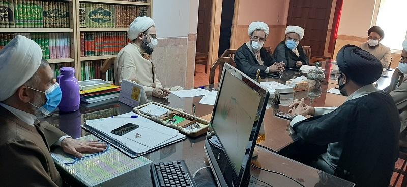 دومین جلسه شورای آموزش حوزه علمیه استان یزد در سال تحصیلی ۱۴۰۰-۱۳۹۹ در مدیریت استان برگزار شد.
