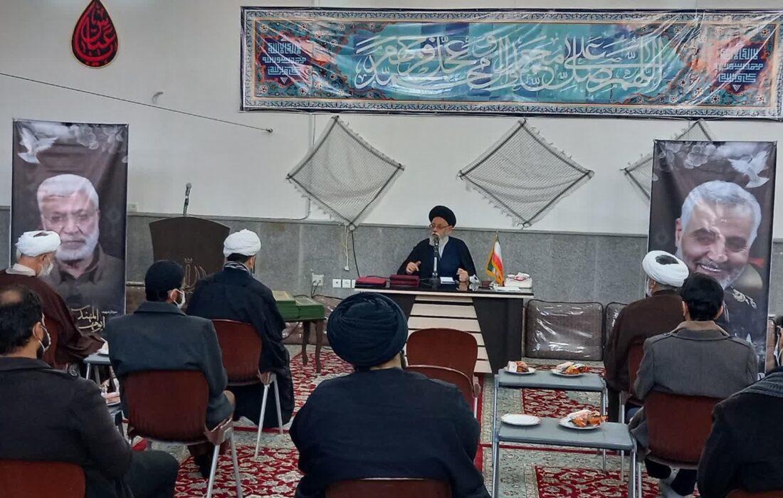مراسم تجلیل از طلاب ممتاز و پژوهشگران مدارس علمیه مصلی و کاظمیه