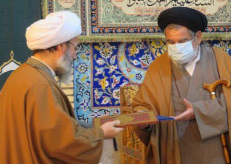 آئین تکریم و معارفه مدیر مدرسه علمیه امام صادق (ع) بافق برگزار شد
