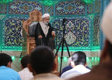 گزارش تصویری از درس اخلاق استاد راشد یزدی
