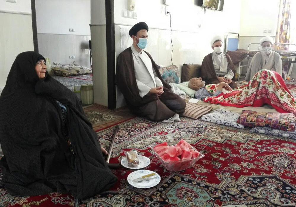 دیدار مدیر حوزه علمیه با خانواده شهیدان عبداللهی و مختاری